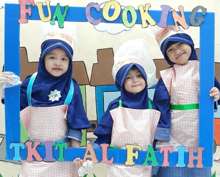 Ceria di Fun Cooking TKIT Al Fatih Makassar