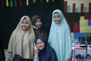 SIT Al Fatih Makassar kumpulkan puluhan juta di Bazar Amal