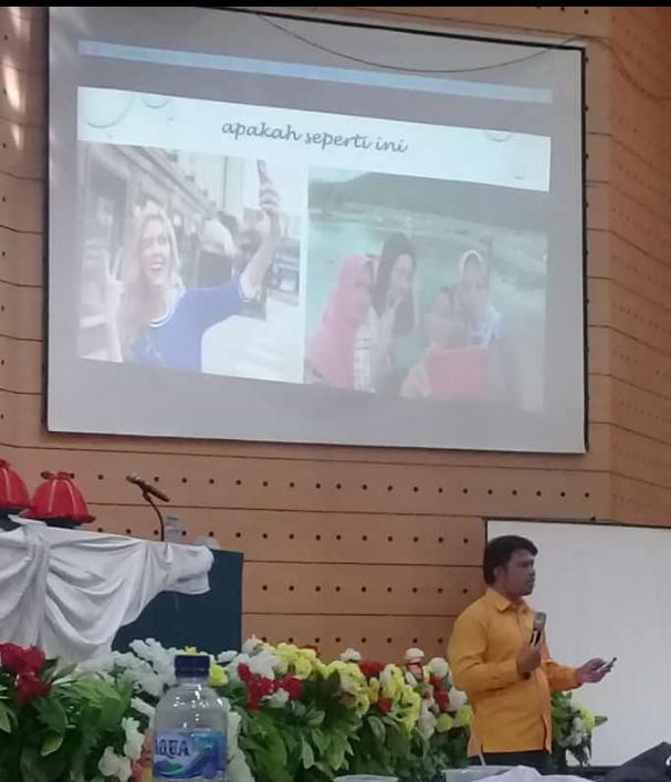 Dosen Pasca sarjana UNM,Dr.Rusmayadi,S.Pd,M.Pd memberikan materi Membangun mental guru di era 4.0