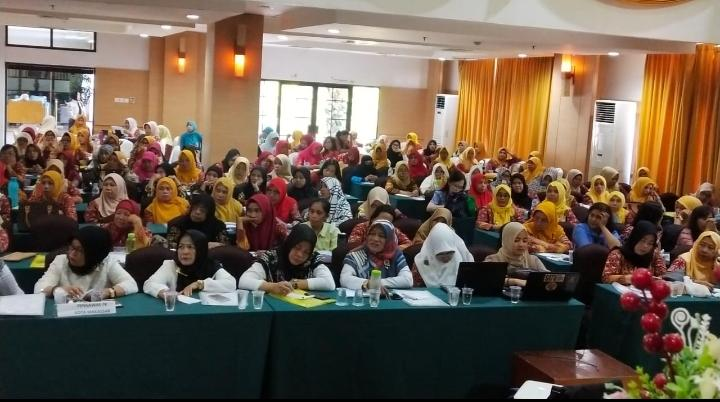 270 guru dan kepsek dari 14 kecamatan kota Makassar mengikuti diklat guru penggerak dan merdeka belajar
